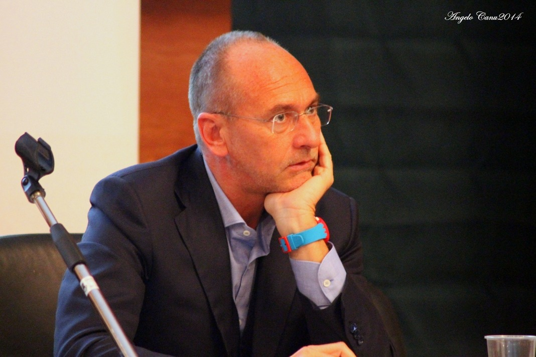 """Lingua sarda: presidente Cappellacci, """"Il sardo è una lingua normale"""""""