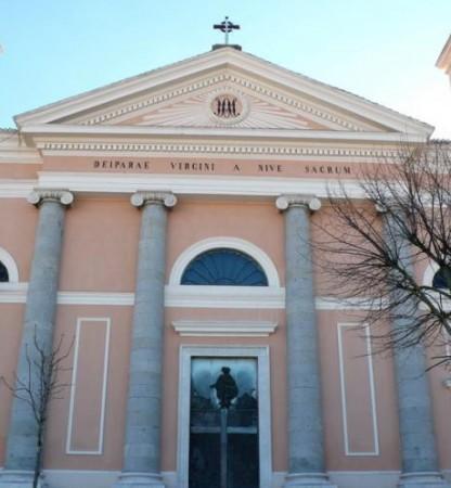 Deiparae Virgini a Nive sacrum