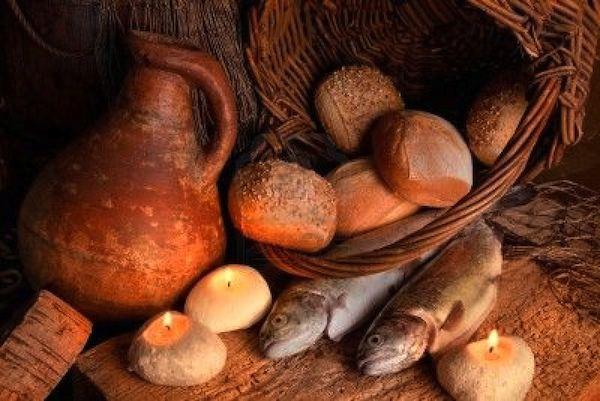 Corpus Dòmini. Cando Gesus aiat moltiplicadu pane e pische