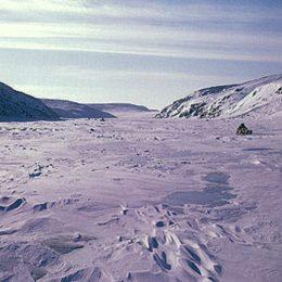 2 inuit lanscape