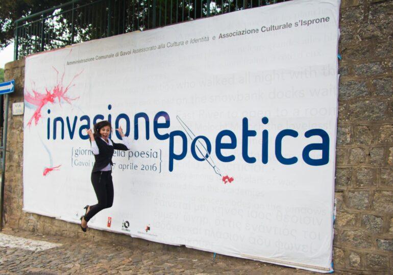 In Gavoi sa de chimbe Invasiones poèticas. Enrico Mura: «Grandu atentzione a sa limba»